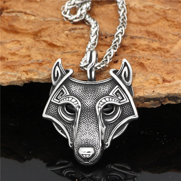 Wolf head pendant