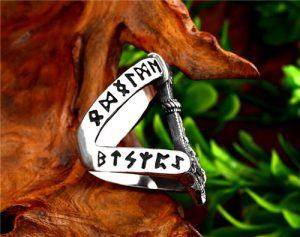 Viking rune thor's hammer ring